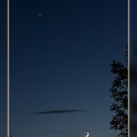 May 2015: Moon and Venus© Ron Peet